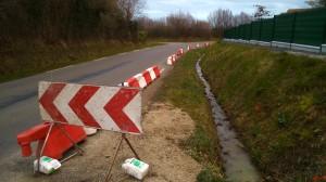 Le balisage préfigure la largeur du cheminement piétons/vélos.