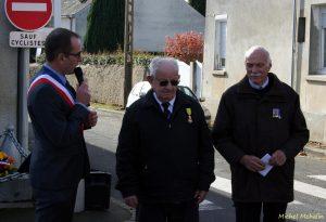 Monsieur Léon Bouttier a reçu le matin en préfecture la Médaille Militaire.