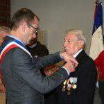 André Maignan reçoit la médaille de l'UNC échelon argent.